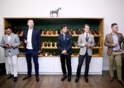 Vyriškų rankų darbo batų profesionalai
