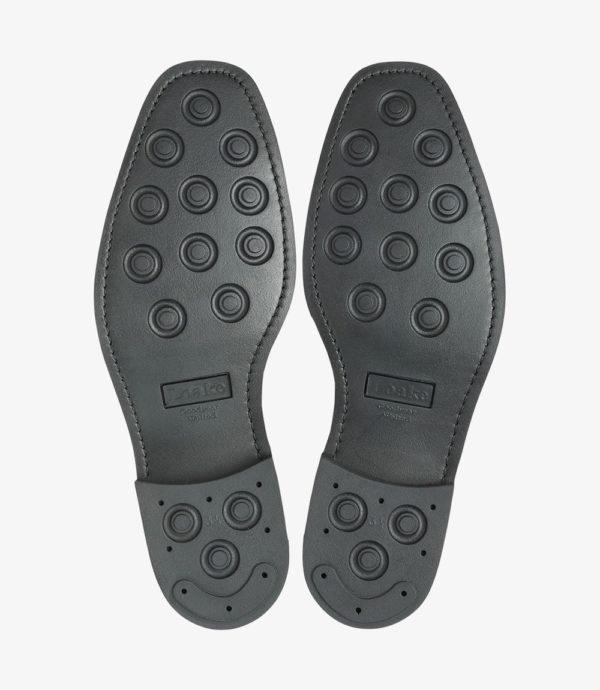 Juodi odiniai batai su guminiu padu