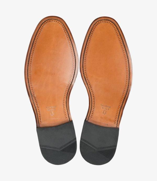 Klasikiniai rudi batai su odiniais padais