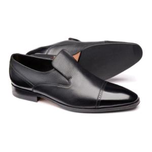Klasikiniai odiniai batai be raištelių ir plačiai pėdai